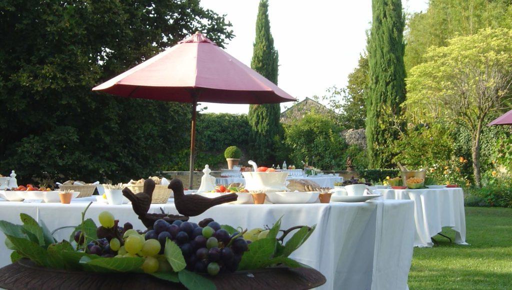 réception buffet jardin